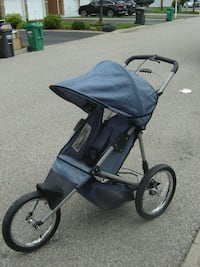 """16"""" AIR WHEELS INSTEP JOGGER STROLLER ONLY $75.00 FIRM OVER A YEAR OLD! Mississauga"""