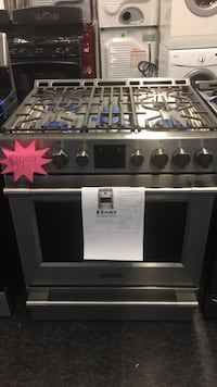 gray and black gas range oven Toronto, M3J