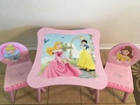 Disney Princess 3 pc wooden table and chair set. Very good condition.   Harker Heights, 76548