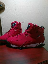 Red Tru Flights size 9.5
