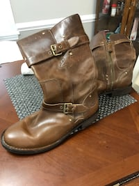 Women's UGG boots size 8 Lexington, 29073