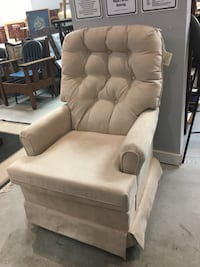 Brand New Swivel Rocker London, N6E 2Z4