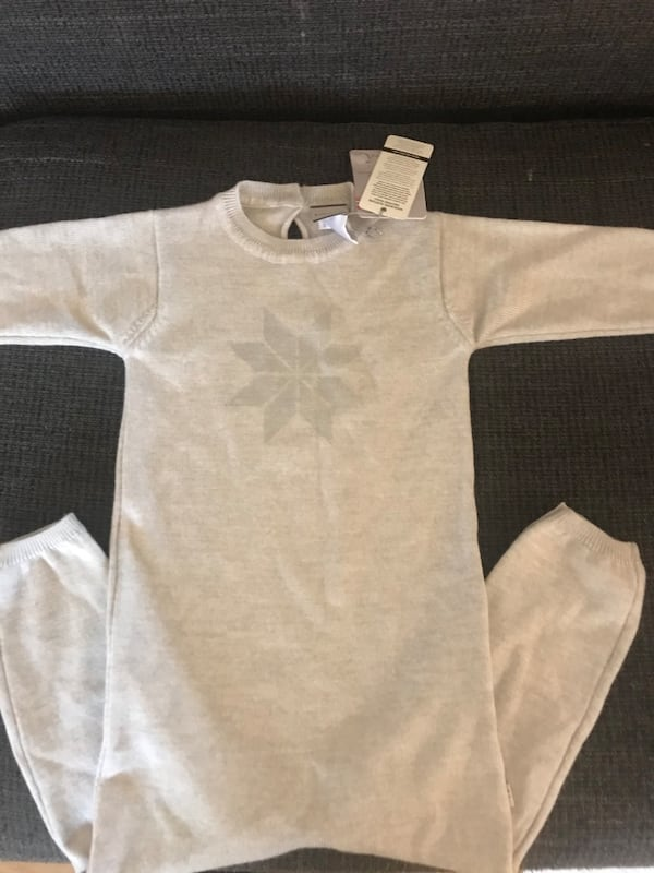 Ny ull onesie Size 98  c3d42712-5f46-47c5-a059-c94781c542a5