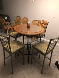High top table w/ 3 chairs