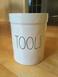 Only one: Rae Dunn Tools crock from USA (New) Burlington, L7L 5W9