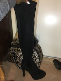 Black Knee High Heel Boots Whitby, L1P 1B7