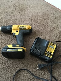 DeWalt cordless hand drill with charger Washington, 20032