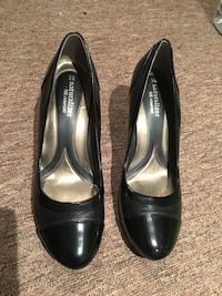 Women's black  leather shoes size 8 - Naturalizers Toronto, M4J 2Y2