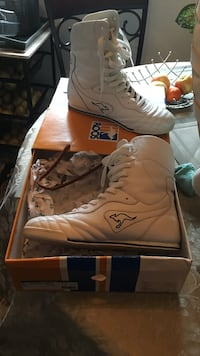 white Roos high-top shoes with box