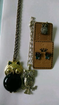 5 piece owl jewelry bundle. Open at 9:00- Foley