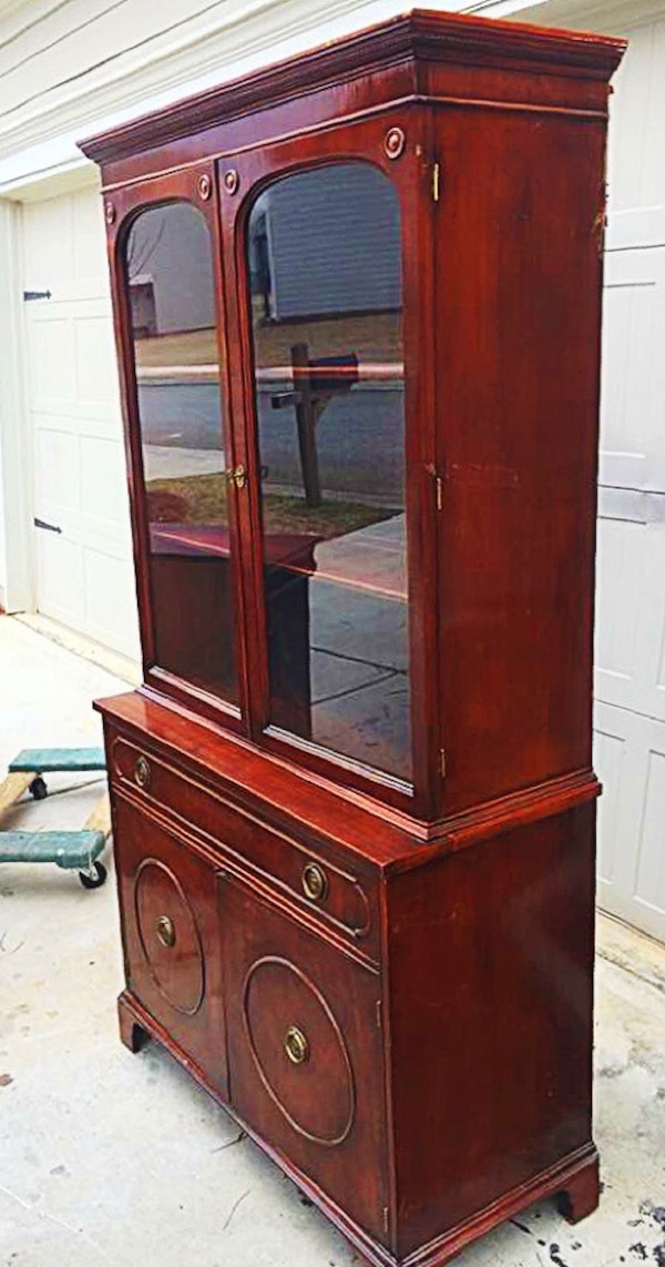 1930s Antique China Cabinet - Used 1930s Antique China Cabinet For Sale In Dawsonville - Letgo