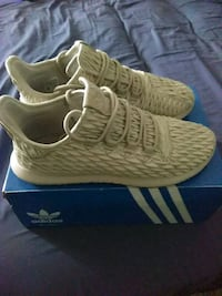 pair of  adidas with box . Size 10 Tallahassee, 32304