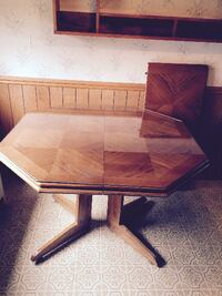 Hexagon Dining Table w/leaf Schenectady