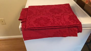 Red Xmas 4-6 people table cloth