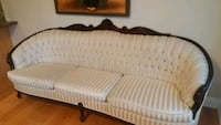 French provincial couch Richmond Hill, L4C