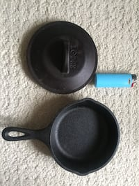 'Lodge' cast iron frypan with lid Toronto, M4Y 2X8