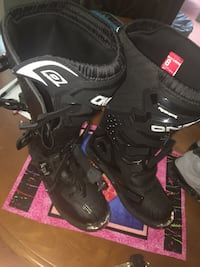 Never worn bike shoes size 8 original price $110 Manassas, 20111