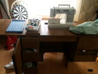 Sewing Machine and sewing table Surrey, V3R 7C1