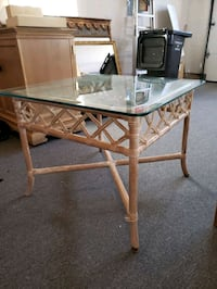 Glass top coffee/end table