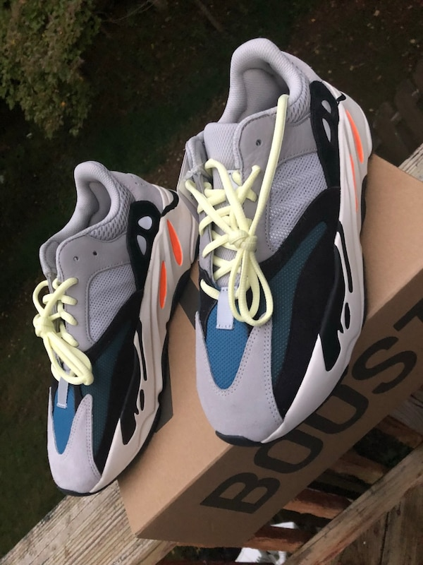 d9839659679 Used Yeezy Boost 700 Wave Runner sz 9.5