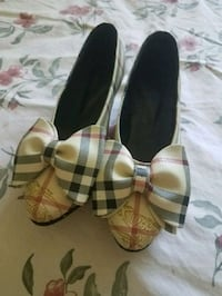 pair of Burberry shoes North Highlands, 95660