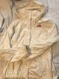 North face jacket  London, N6A 3L6