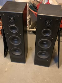 Two Tower speakers in working condition Cliffside Park, 07010