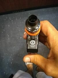 black and gray variable box mod