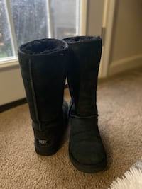 Uggs black size authentic  East Providence, 02915