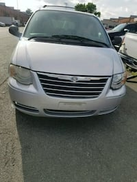 Chrysler - Town and Country - 2006 Manassas, 20110