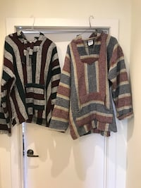 2 men's hoodies size L $15 for both  500 km