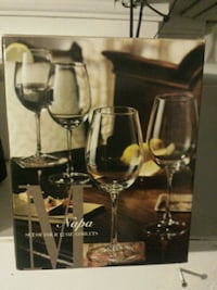 two clear glass wine glasses Toronto, M8W 1Y3