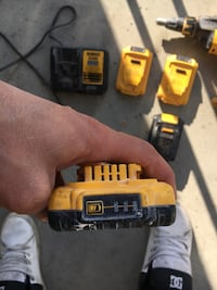 yellow and black cordless hand drill