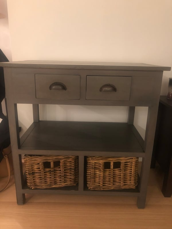 Table with storage! bf3112ae-6db6-4b0a-93d6-fb87257190a6