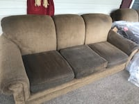 Couch and Loveseat Hardy, 24101