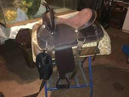 Lightweight Western Saddle With Abetta Bridle, Breastcollar, and Pad