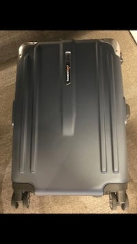 22 inch carry on luggage brand new New York, 10028