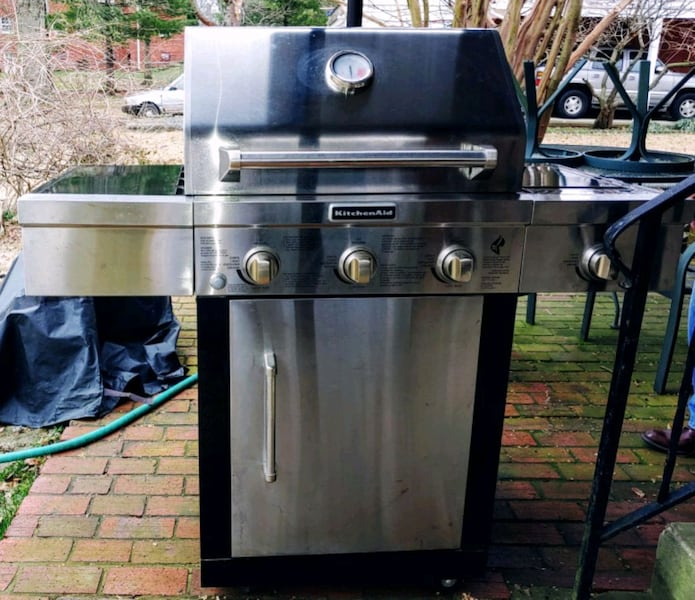 Large KitchenAid Propane Grill 0