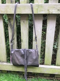 Leather purse.. brand new , never used .. from Vancouver brand , meissi  Surrey, V3Z
