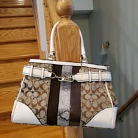 Authentic Coach purse negotiable  Vaughan, L4H 2L3