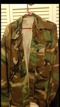 brown and green camouflage jacket St. Louis, 63104