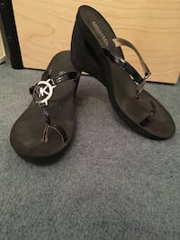 Michael Kors sandals -size 9 562 km