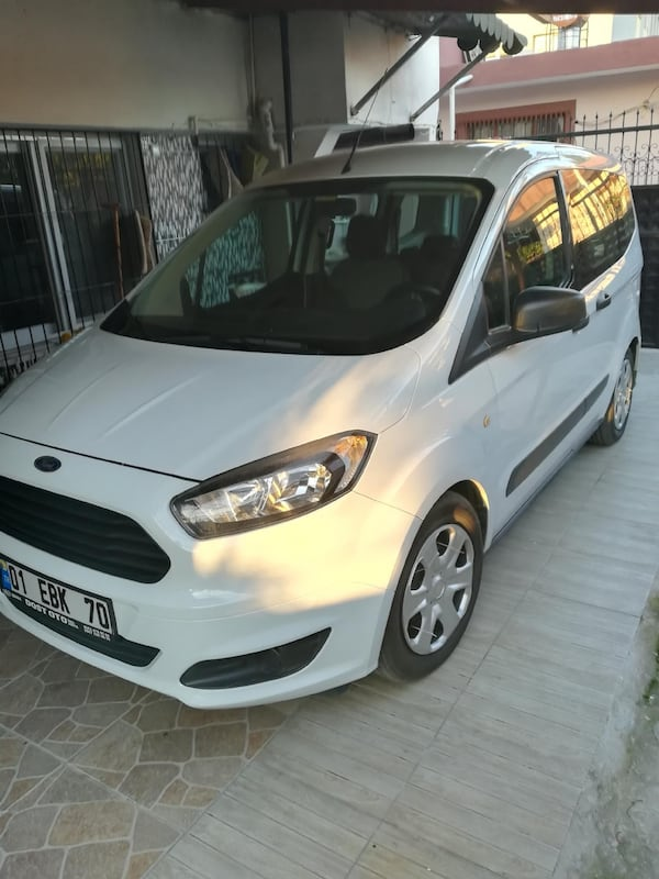 2015 Ford Tourneo Courier  TREND 58ddd082-0df4-4235-968d-7172d0506f56
