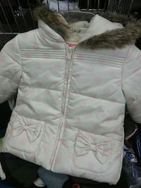 white and pink polka-dot full-zip parka Montréal, H2N 1E8