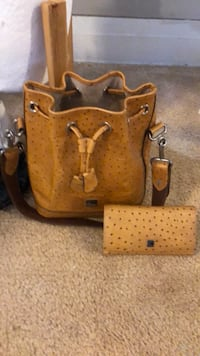 brown leather leather tote bag