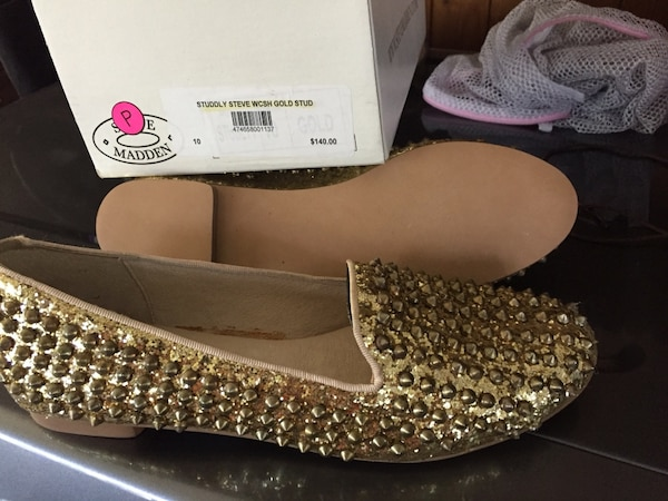 92c0b9646e7 Used Limited edition gold studded Steve Madden shoes NEW for sale in  Keswick - letgo