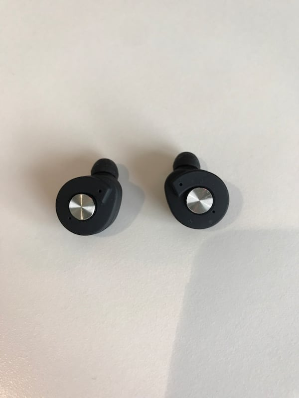 Brookstone wireless earbuds  8feaaeec-7552-445d-aeec-9833235ccc25