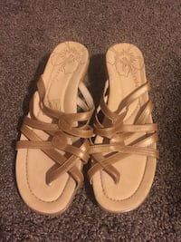 pair of brown leather sandals Portland, 97236