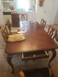 Dining room table w/ 6 chairs  Sparrow Bush, 12780