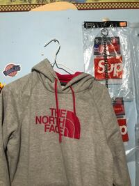 North Face Sweater | Women's Large  Toronto, M1R 2H7